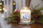 Dekoracje świąteczne, świeca Yankee Candle Białe