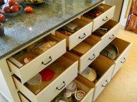 szuflady w kuchni
